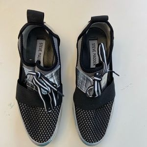 Steve Madden Arctic Walking Sneakers